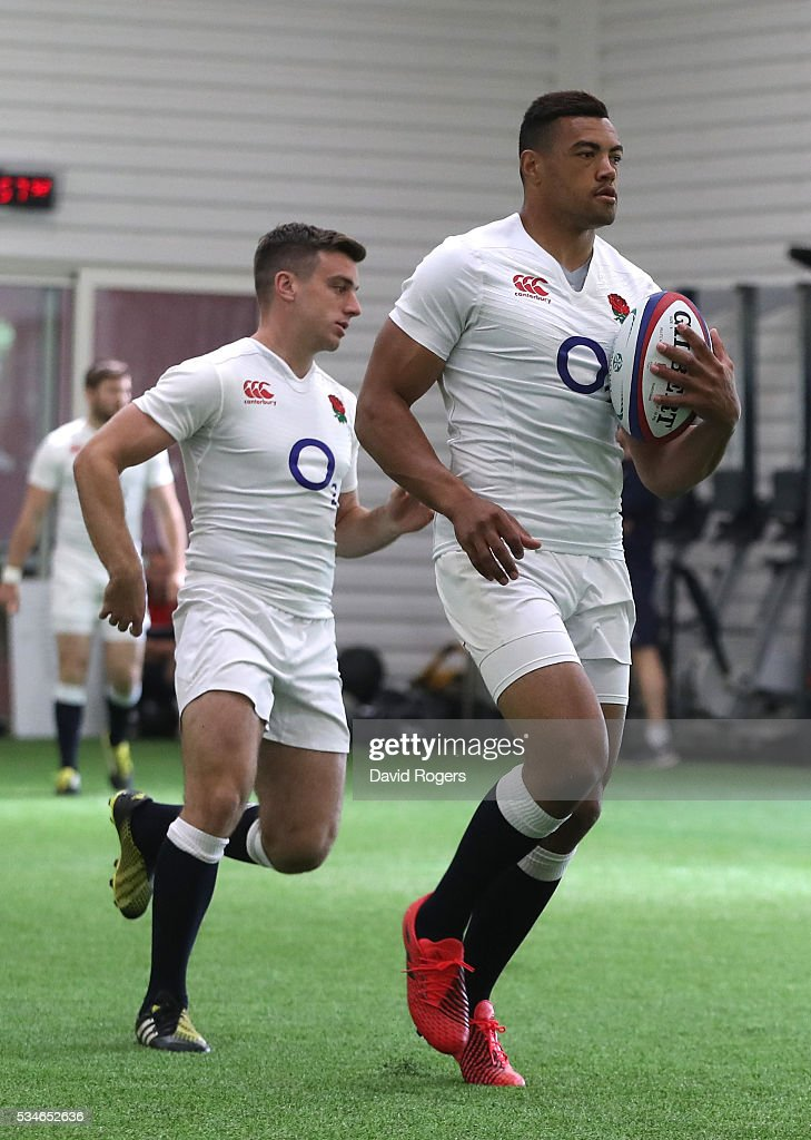 Luther Burrell runs with the ball during the England training session held at Pennyhill Park on May 27, 2016 in Bagshot, England.
