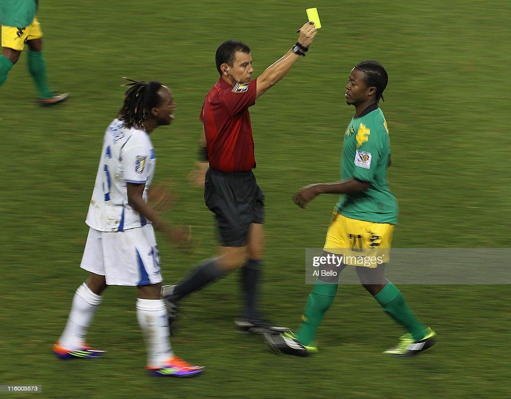 mauricio sabillon photos pictures of mauricio sabillon getty luton shelton 21 of gets a yellow card as mauricio sabillon 16 of
