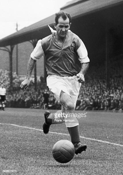 Luton Town FC centre forward Jessie Pye in action for his club September 1952