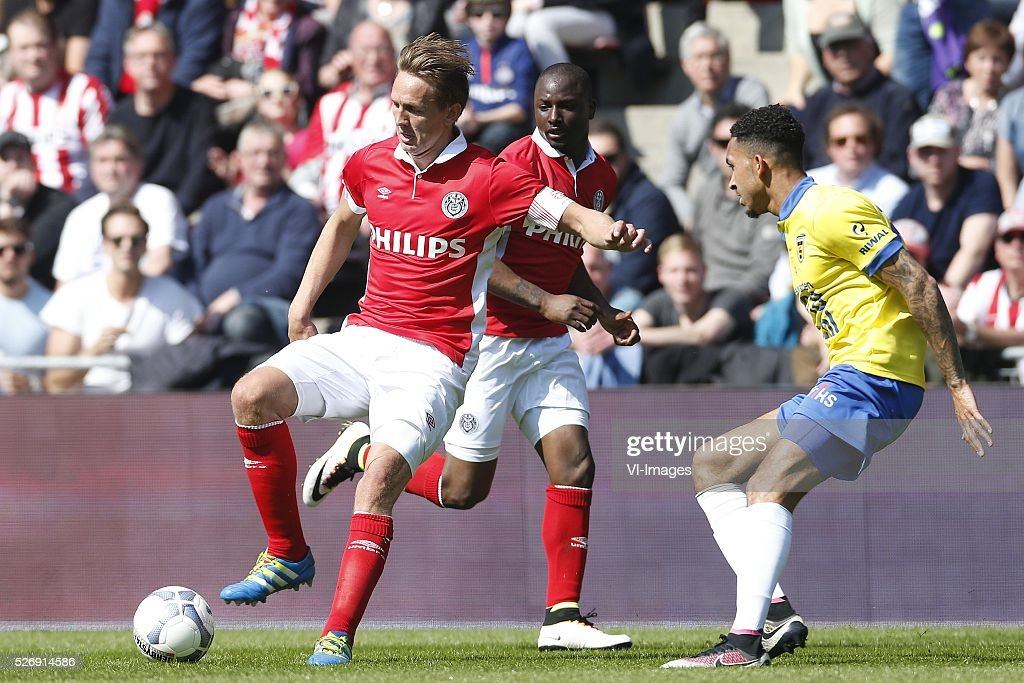 , Luuk de Jong of PSV, Jetro Willems of PSV, Darryl Lachman of SC Cambuur during the Dutch Eredivisie match between PSV Eindhoven and SC Cambuur Leeuwarden at the Phillips stadium on May 01, 2016 in Eindhoven, The Netherlands