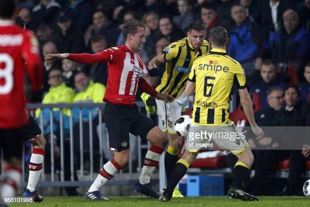 Luuk de Jong of PSV Ricky van Wolfswinkel of Vitesse Arnold Kruiswijk of Vitesseduring the Dutch Eredivisie match between PSV Eindhoven and Vitesse...