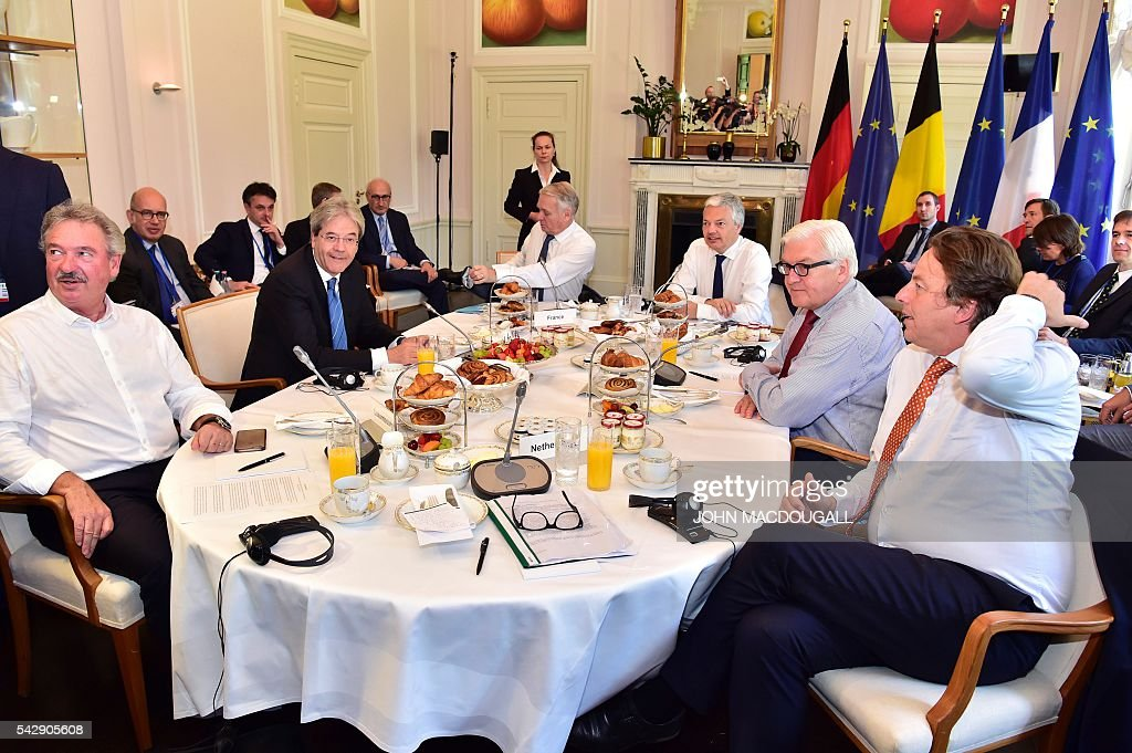 Luxembourg's Foreign minister Jean Asselborn, Italy's Foreign minister Paolo Gentiloni, France's Foreign minister Jean-Marc Ayrault, Belgium's Foreign minister Didier Reynders, Germany's Foreign minister Frank-Walter Steinmeier and Netherlands' Foreign minister Bert Koenders attend post-Brexit talks at the Villa Borsig in Berlin on June 25, 2016. Foreign ministers of the six founding members of the European project meet to discuss the bloc's future in the wake of Britain's decision to leave. POOL / John MACDOUGALL