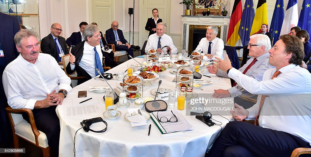 Luxembourg's Foreign minister Jean Asselborn, Italy's Foreign minister Paolo Gentiloni, France's Foreign minister Jean-Marc Ayrault, Belgium's Foreign minister Didier Reynders, Germany's Foreign minister Frank-Walter Steinmeier and Netherlands' Foreign minister Bert Koenders attend talks at the Villa Borsig in Berlin on June 25, 2016. Foreign ministers of the six founding members of the European project meet to discuss the bloc's future in the wake of Britain's decision to leave. POOL / John MACDOUGALL