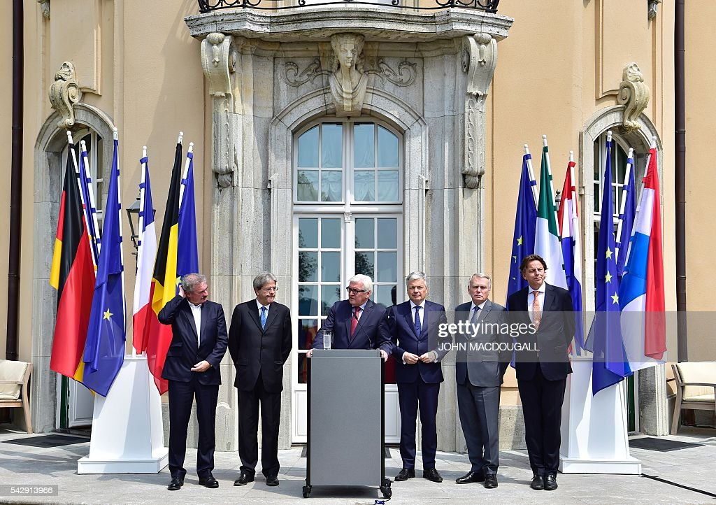 Luxembourg's Foreign minister Jean Asselborn, Italy's Foreign minister Paolo Gentiloni, Germany's Foreign minister Frank-Walter Steinmeier, Belgium's Foreign minister Didier Reynders, France's Foreign minister Jean-Marc Ayrault and Netherlands' Foreign minister Bert Koenders address a press confeence after talks at the Villa Borsig in Berlin on June 25, 2016. Foreign ministers of the six founding members of the European project meet to discuss the bloc's future in the wake of Britain's decision to leave. / AFP / John MACDOUGALL
