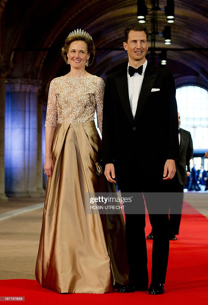Luxembourg's Prince Alois (R) and his wife Princess Sophie pose on April 29, 2013 as they arrive to attend a dinner at the National Museum (Rijksmuseum) in Amsterdam hosted by Queen Beatrix of the Netherlands on the eve of her abdication.
