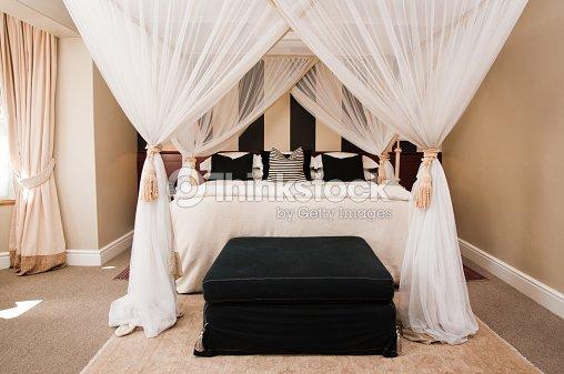 Luxuriöse Schlafzimmer Mit Himmelbett Stock-Foto | Thinkstock