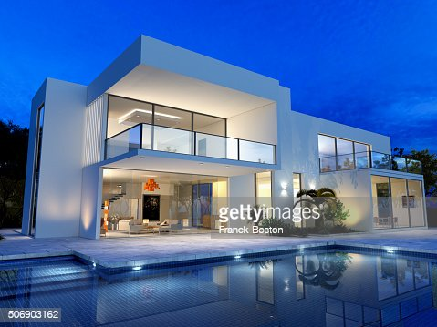 Luxurious villa with pool : Stock Photo