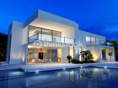 Luxurious villa with pool : Stock Photo