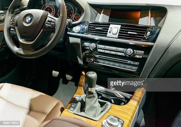 Luxus-Geländewagen BMW X4 crossover-dashboard