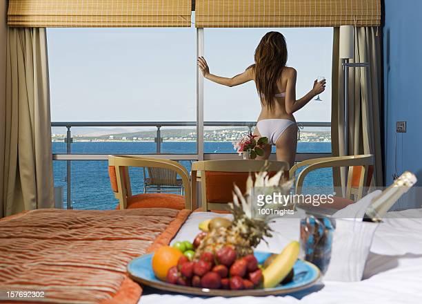 Breakfast and sexy foto e immagini stock getty images for Case modulari con suite di legge
