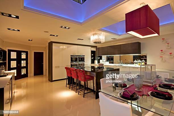 Luxus Küche bei Nacht