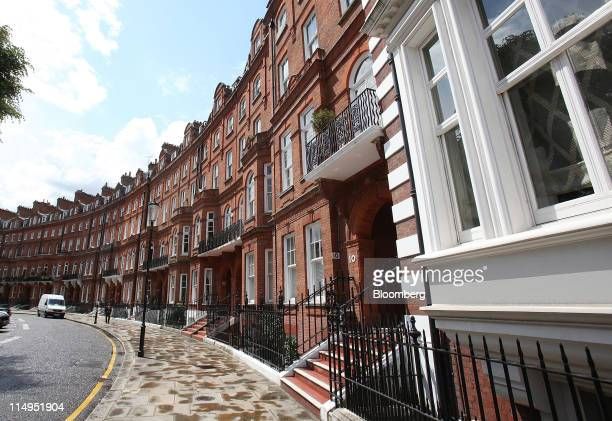 Luxury residential properties are seen on Lennox Gardens Knightsbridge in London UK on Tuesday May 31 2011 Luxuryhome prices in central London rose...