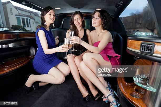 Trajet dans une luxueuse limousine Stretch