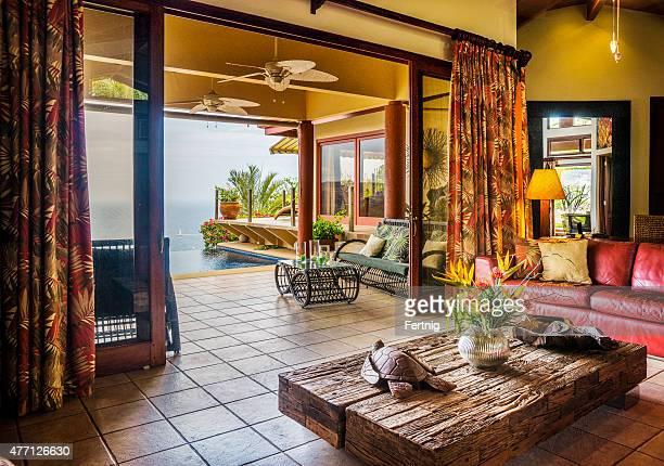 Luxus tropische Hause mit Blick auf das Meer