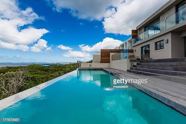 Terrasse de la piscine de la Villa de luxe