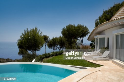 Luxury Villa, swimming pool and view out sea