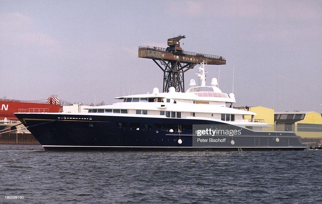 Luxusyacht 'Carinthia' Besitzerin Heidi Horten Kaufpreis 150 Millionen Euro Laenge 93 Meter LürssenWerft Brake Unterweser Yacht