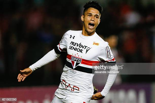 Luz Araujo of Sao Paulo celebrates their fifth goal during the match between Sao Paulo and Corinthians for the Brazilian Series A 2016 at Mrumbi...