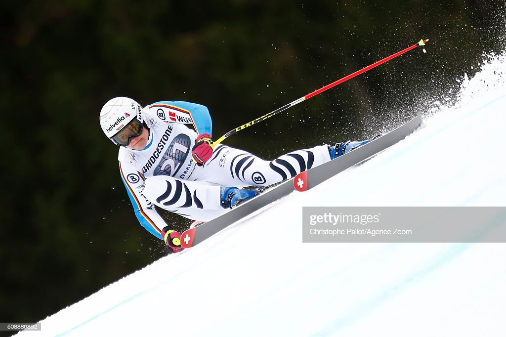 L<a gi-track='captionPersonalityLinkClicked' href=/galleries/search?phrase=Viktoria+Rebensburg&family=editorial&specificpeople=4152387 ng-click='$event.stopPropagation()'>Viktoria Rebensburg</a> of Germany competes during the Audi FIS Alpine Ski World Cup Women's Super G on January 07, 2016 in Garmisch-Partenkirchen, Germany.