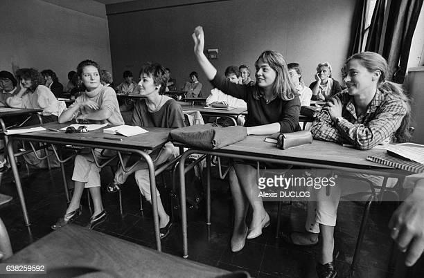 Lycéens en classe le jour de la rentrée le 9 septembre 1985 à Vernon France