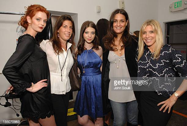 Lydia Hearst Jessica Meisels Michelle Trachtenberg Jeniffer Goldman and Rachel Zales backstage at NIOXIN Hairstyling for Alvin Valley Fall 2007