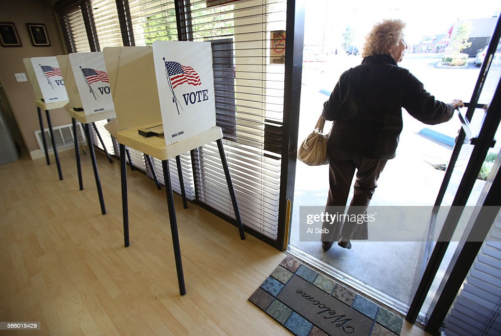 Marvelous Lyn Levine At 80 Year Old Cast Her Vote At The Encino Self Storage On  Ventura Blvd In Encino On Tue Pictures | Getty Images