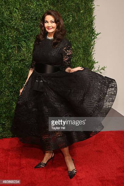 Lynda Carter attends the 2015 God's Love WE Deliver Golden Heart Awards at Spring Studios on October 15 2015 in New York City