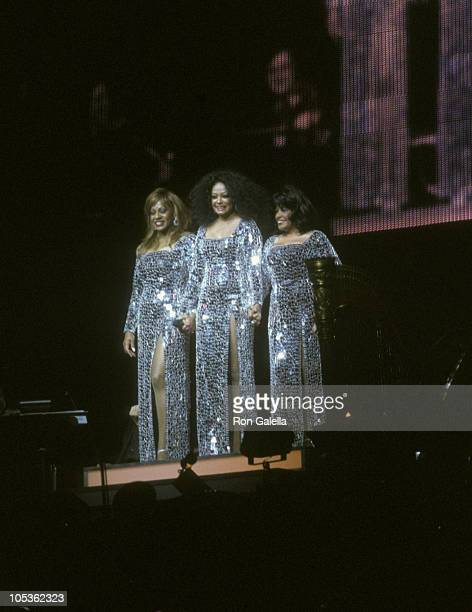 Lynda Laurence Diana Ross and Scherrie Payne The Supremes