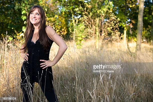 Lynda Lemay In Paris Paris Octobre 2008 10 ans après la chanteuse québécoise Lynda LEMAY revient sur la scène de l'Européen où le public parisien l'a...
