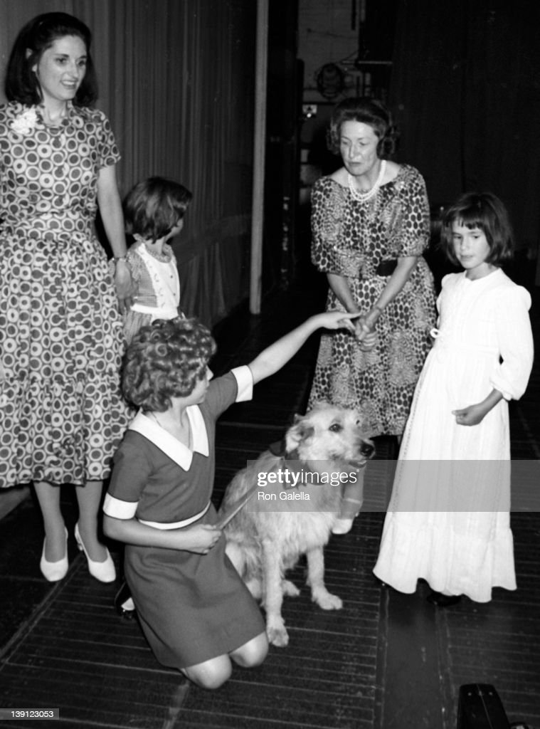 Lynda Robb Andrea Mcardle Cindy Robb Ladybird Johnson and Cathy Robb attend a performance of 'Annie' on August 9 1977 at the Uris Theater in New York...