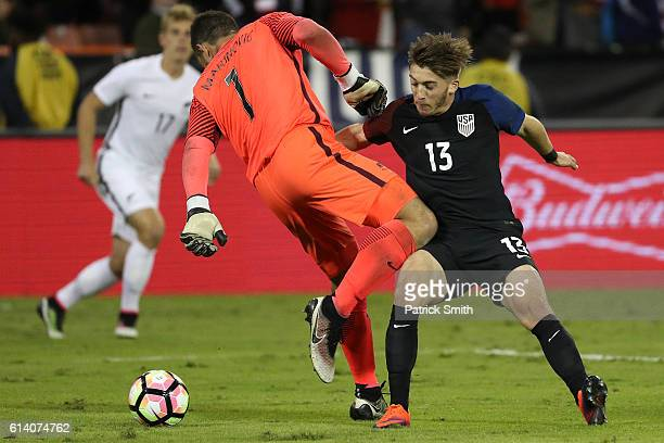 Lynden Gooch of United States battles goalkeeper Stefan Marinovic of New Zealand for the ball in the second half during an International Friendly at...
