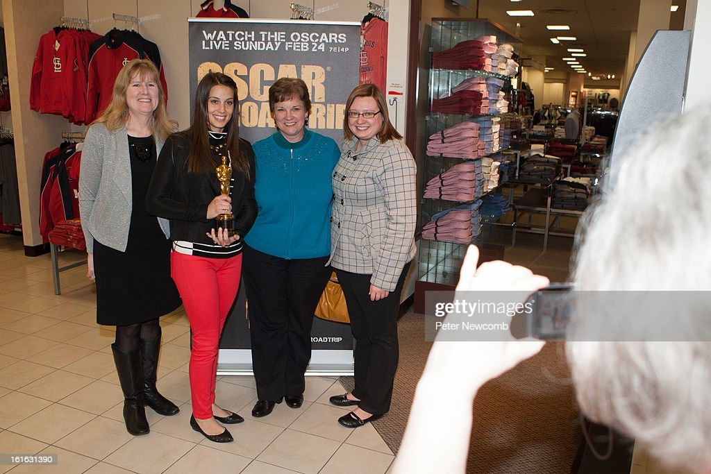 Lynn Rein, Angie Greenup and Leslie Fitzpatrick and Amanda Marti at the first-ever Oscar Roadtrip at on February 13, 2013 in St Louis City.