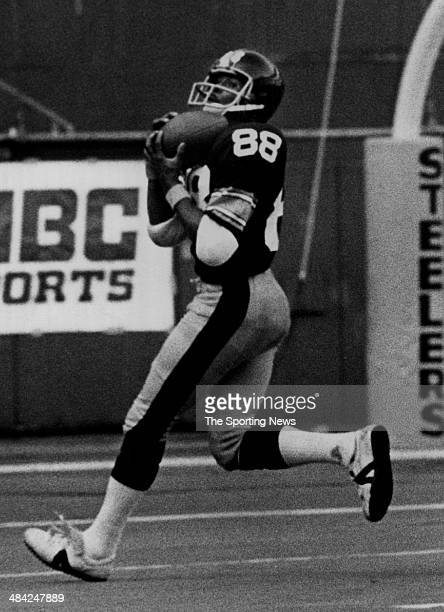 Lynn Swann of the Pittsburgh Steelers makes a catch circa 1970s
