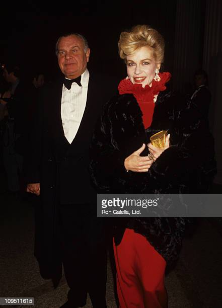 Lynn Wyatt and Bill Blass during Council of Fashion Designers of America Costume Exhibition 'Dinner with Diane Vreeland' at Metropolitan Museum of...
