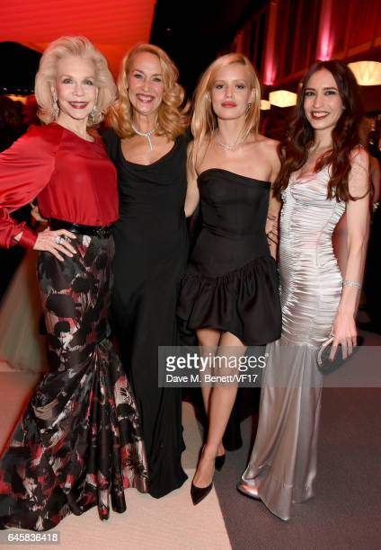 Lynn Wyatt models Jerry Hall Georgia May Jagger and Elizabeth Jagger attend the 2017 Vanity Fair Oscar Party hosted by Graydon Carter at Wallis...