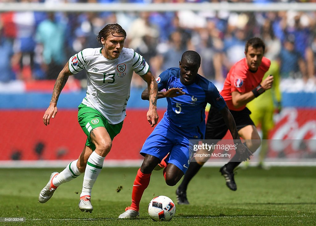 Lyon , France - 26 June 2016; Jeff Hendrick of Republic of Ireland in action against N'Golo Kanté of France during the UEFA Euro 2016 Round of 16 match between France and Republic of Ireland at Stade des Lumieres in Lyon, France.