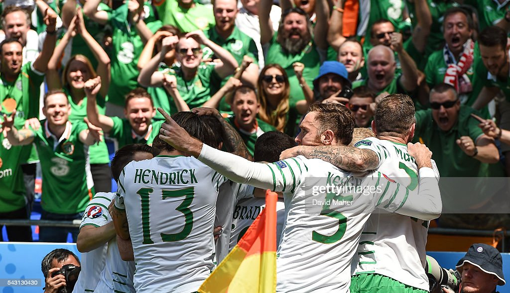 Lyon , France - 26 June 2016; Republic of Ireland players celebrate <a gi-track='captionPersonalityLinkClicked' href=/galleries/search?phrase=Robbie+Brady&family=editorial&specificpeople=9028769 ng-click='$event.stopPropagation()'>Robbie Brady</a>'s goal in the UEFA Euro 2016 Round of 16 match between France and Republic of Ireland at Stade des Lumieres in Lyon, France.
