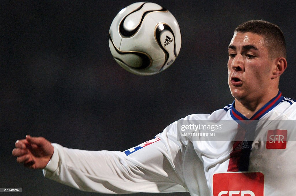 Lyon's French forward Karim Benzema controls the ball 21 March 2006 at the Gerland stadium in Lyon during the French Cup football match between Lyon...