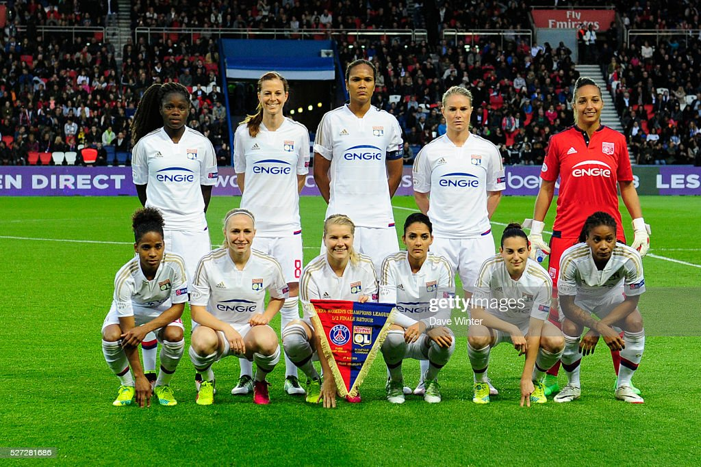 Lyon team before the Uefa Women's Champions League match, semi-final, second leg, between Paris Saint Germain and Olympique Lyonnais at Parc des Princes on May 2, 2016 in Paris, France.