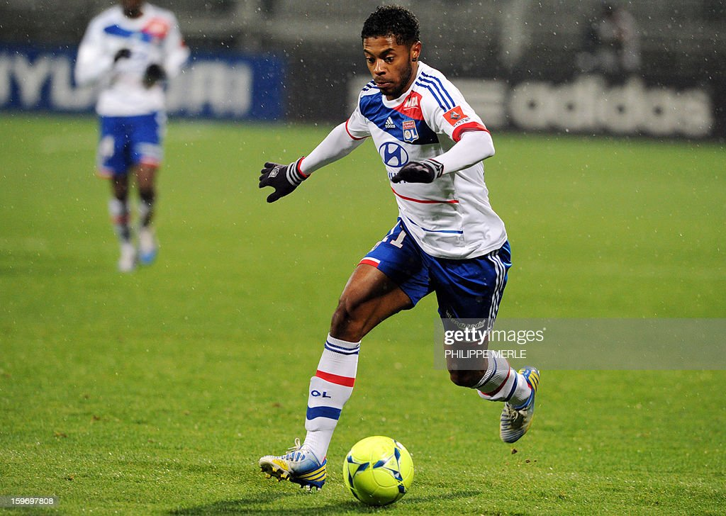 Lyon's Brazilian midfielder Michel Fernandes Bastos controls the ball during the French L1 football match between Lyon and Evian on January 18, 2013, at the Gerland stadium in Lyon.