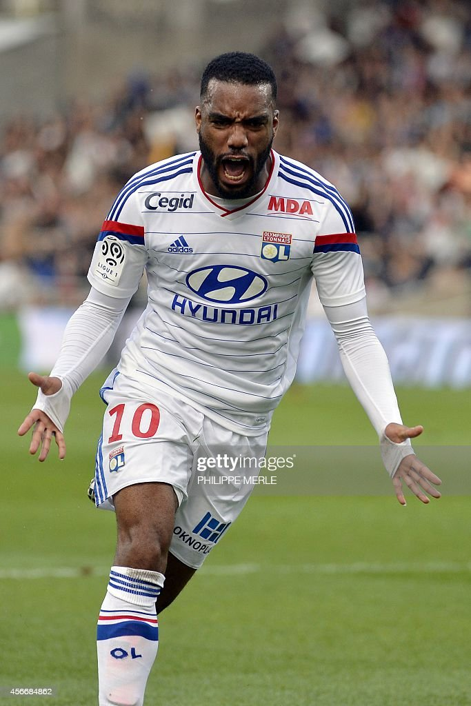 [FOOT] OL LAND - Page 16 Lyons-french-forward-alexandre-lacazette-celebrates-after-scoring-a-picture-id456684862