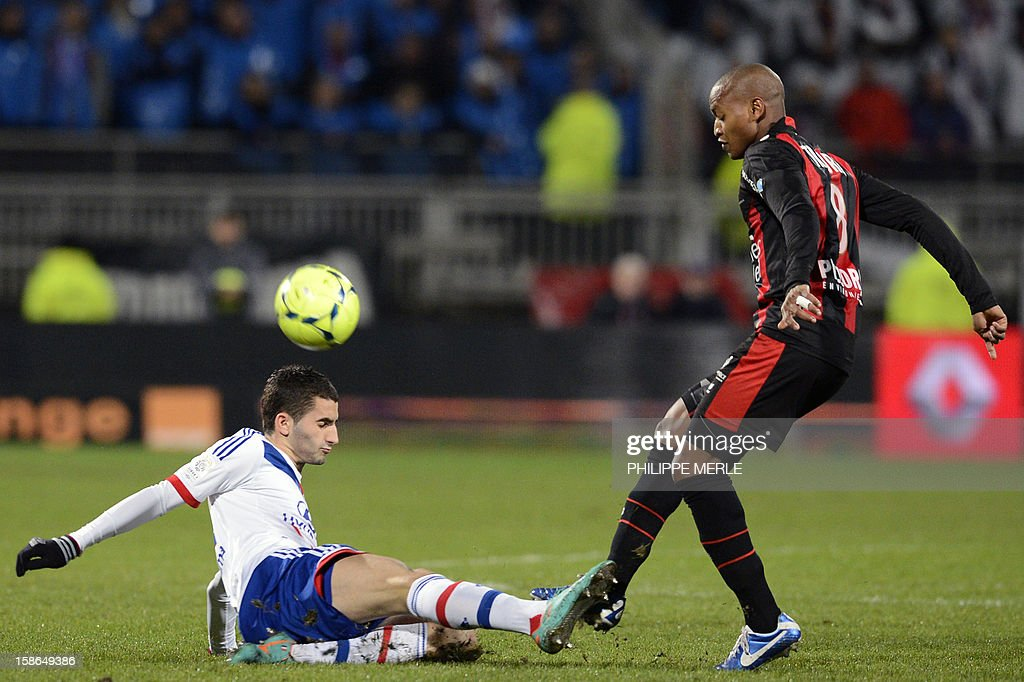 Lyon's French midfielder Maxime Gonalons (L) vies with Nice's Malian midfielder Mahamane Traore during the French L1 football match Lyon vs Nice, on December 22, 2012 at the Gerland stadium in Lyon, central eastern France.