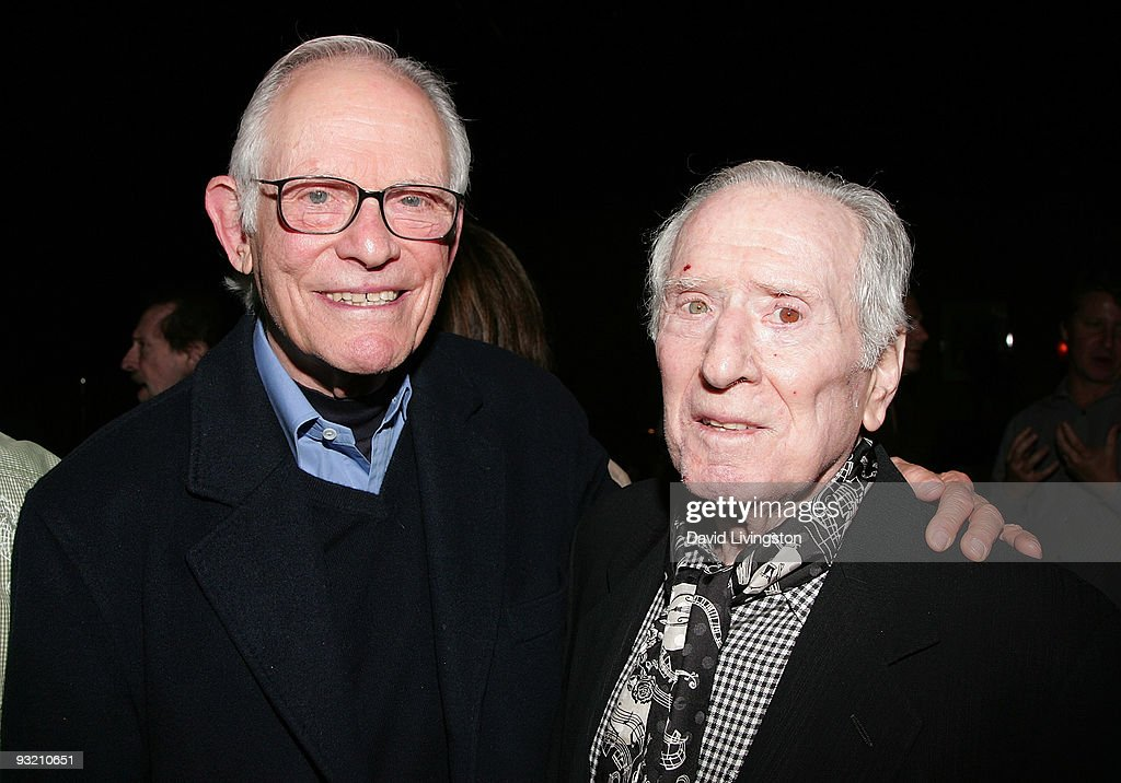 Lyricist Alan Bergman (L) and songwriter <a gi-track='captionPersonalityLinkClicked' href=/galleries/search?phrase=Jerry+Leiber&family=editorial&specificpeople=790490 ng-click='$event.stopPropagation()'>Jerry Leiber</a> attend ASCAP's reception honoring Marvin Hamlisch, Bergman and his wife Marilyn Bergman at the Catalina Bar & Grill on November 18, 2009 in Los Angeles, California.
