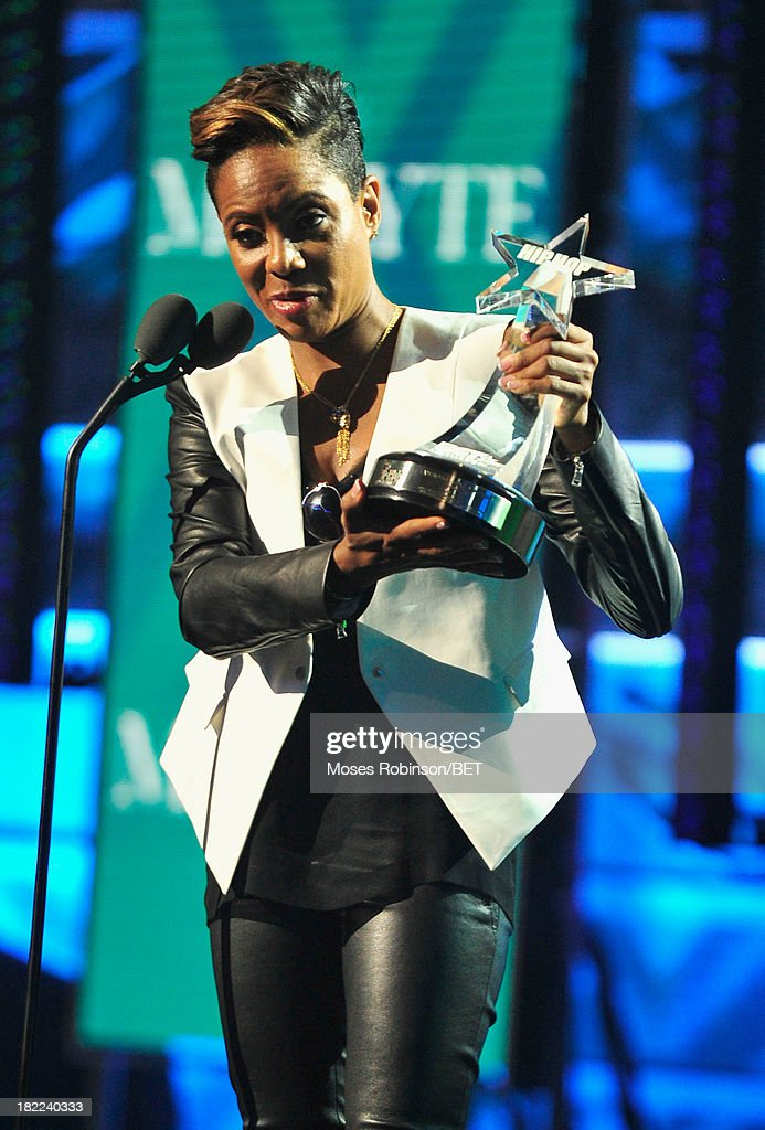 MC Lyte accepts the I Am Hip Hop award onstage at the BET Hip Hop Awards 2013 at Boisfeuillet Jones Atlanta Civic Center on September 28, 2013 in Atlanta, Georgia.