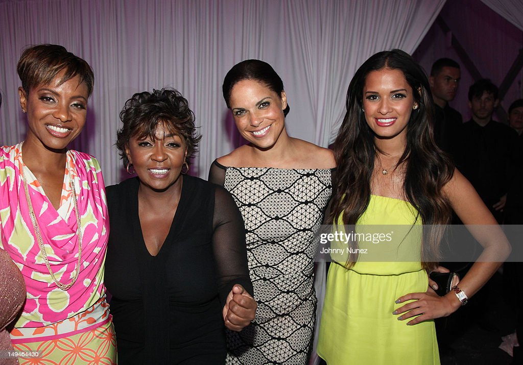 <a gi-track='captionPersonalityLinkClicked' href=/galleries/search?phrase=MC+Lyte&family=editorial&specificpeople=226807 ng-click='$event.stopPropagation()'>MC Lyte</a>, <a gi-track='captionPersonalityLinkClicked' href=/galleries/search?phrase=Anita+Baker&family=editorial&specificpeople=221318 ng-click='$event.stopPropagation()'>Anita Baker</a>, <a gi-track='captionPersonalityLinkClicked' href=/galleries/search?phrase=Soledad+O%27Brien&family=editorial&specificpeople=223926 ng-click='$event.stopPropagation()'>Soledad O'Brien</a> and <a gi-track='captionPersonalityLinkClicked' href=/galleries/search?phrase=Rocsi&family=editorial&specificpeople=747177 ng-click='$event.stopPropagation()'>Rocsi</a> Diaz attend the 13th Annual Russel Simmons Rush philanthropic ART FOR LIFE on July 28, 2012 in East Hampton, New York.