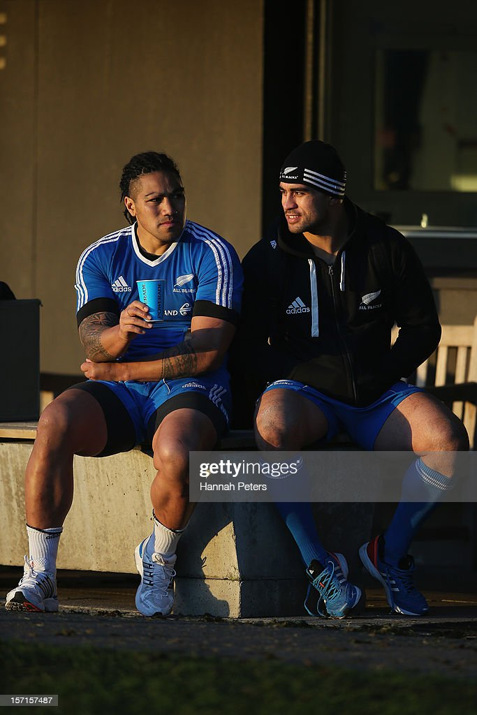 <a gi-track='captionPersonalityLinkClicked' href=/galleries/search?phrase=Ma%27a+Nonu&family=editorial&specificpeople=224641 ng-click='$event.stopPropagation()'>Ma'a Nonu</a> and <a gi-track='captionPersonalityLinkClicked' href=/galleries/search?phrase=Liam+Messam&family=editorial&specificpeople=601526 ng-click='$event.stopPropagation()'>Liam Messam</a> of the All Blacks relax following a training session at Latymers Upper School on November 29, 2012 in London, England.