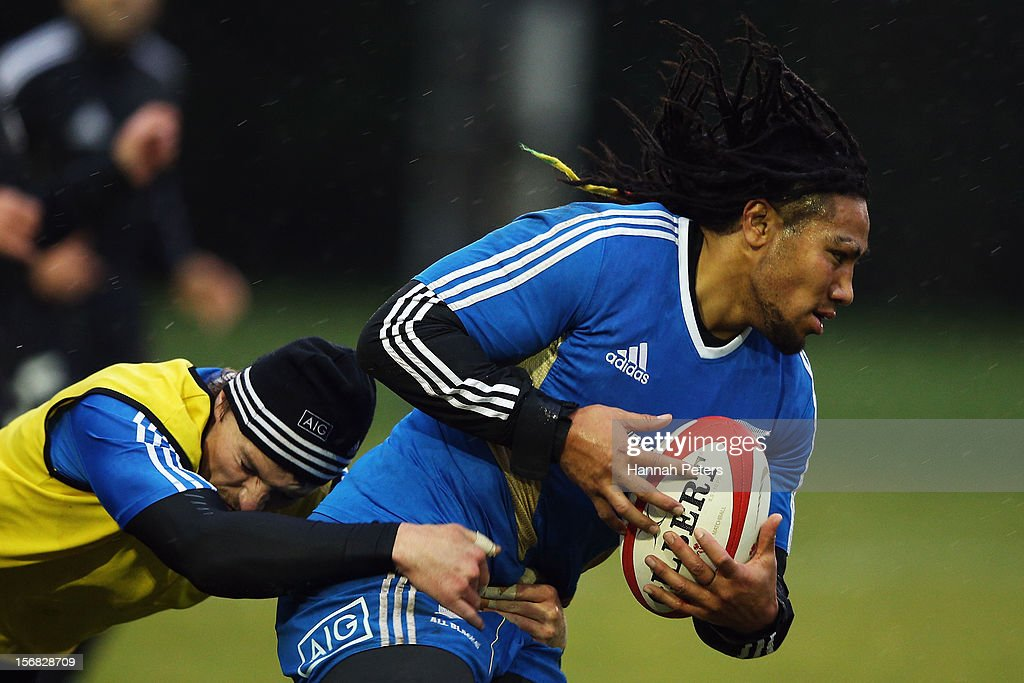 <a gi-track='captionPersonalityLinkClicked' href=/galleries/search?phrase=Ma%27a+Nonu&family=editorial&specificpeople=224641 ng-click='$event.stopPropagation()'>Ma'a Nonu</a> of the All Blacks runs through drills during a training session at the University of Glamorgan training fields on November 22, 2012 in Cardiff, Wales.