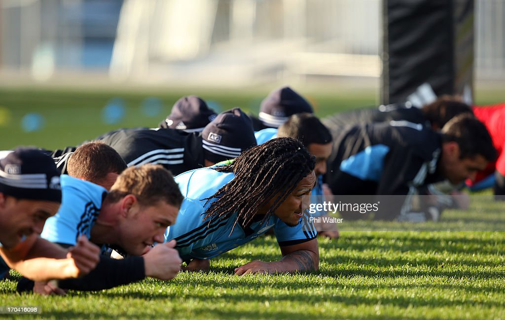 <a gi-track='captionPersonalityLinkClicked' href=/galleries/search?phrase=Ma%27a+Nonu&family=editorial&specificpeople=224641 ng-click='$event.stopPropagation()'>Ma'a Nonu</a> of the All Blacks warms up before a New Zealand All Blacks training session at AMI Stadium on June 13, 2013 in Christchurch, New Zealand.