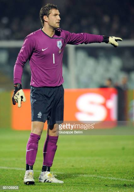 Maarten Stekelenburg of Holland in action during the International Friendly Match between Italy and Holland at Adriatico Stadium on November 14 2009...