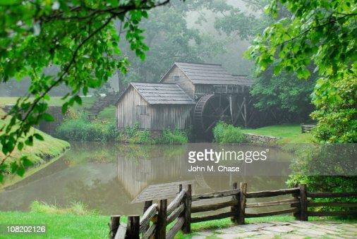 マブリーミルにエッジの池